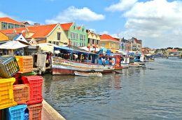 Travel Clips: The Caribbean Island of Curacao