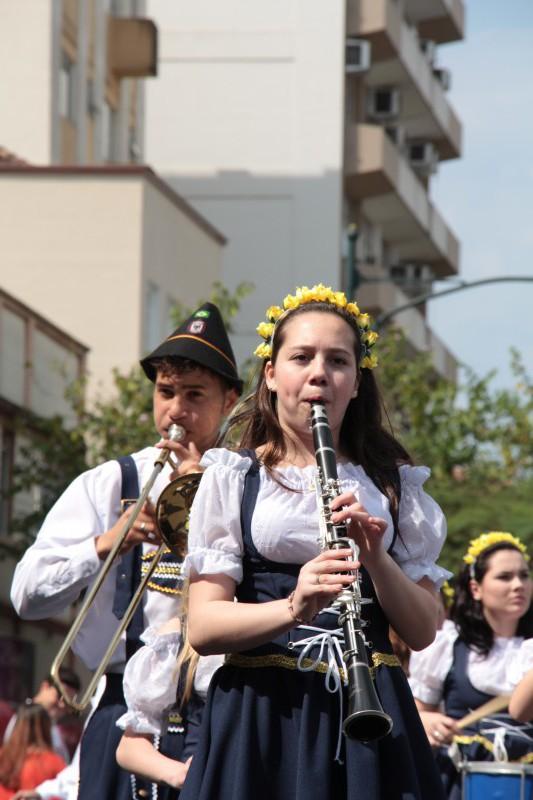 Schluss mit Blasmusik, Dirndl und dem deutschen Kram in Blumenau. Wir wollen jetzt was Neues sehen.