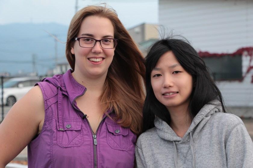 Isabel mit Freundin Mami in Aizu Wakamatsu (Fukushima).