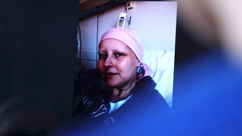 Sarah während ihrer Krebserkrankung