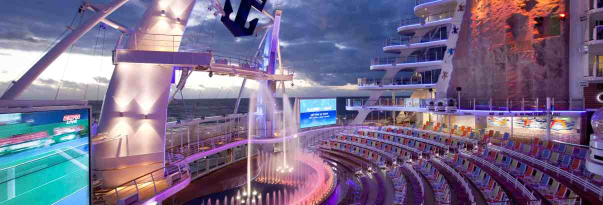 """Royal Caribbean Named """"Best Cruise Line Overall"""" By Travel Weekly China and Travel Weekly Asia CARIBBEAN THE """"BEST CRUISE LINE OVERALL"""""""