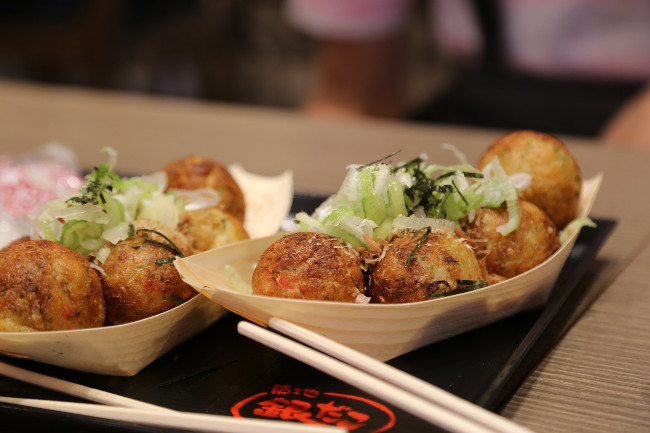 takoyaki-osaka-japan