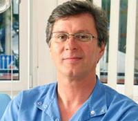 Dr Attila Kaman Becomes a Master Implantologist
