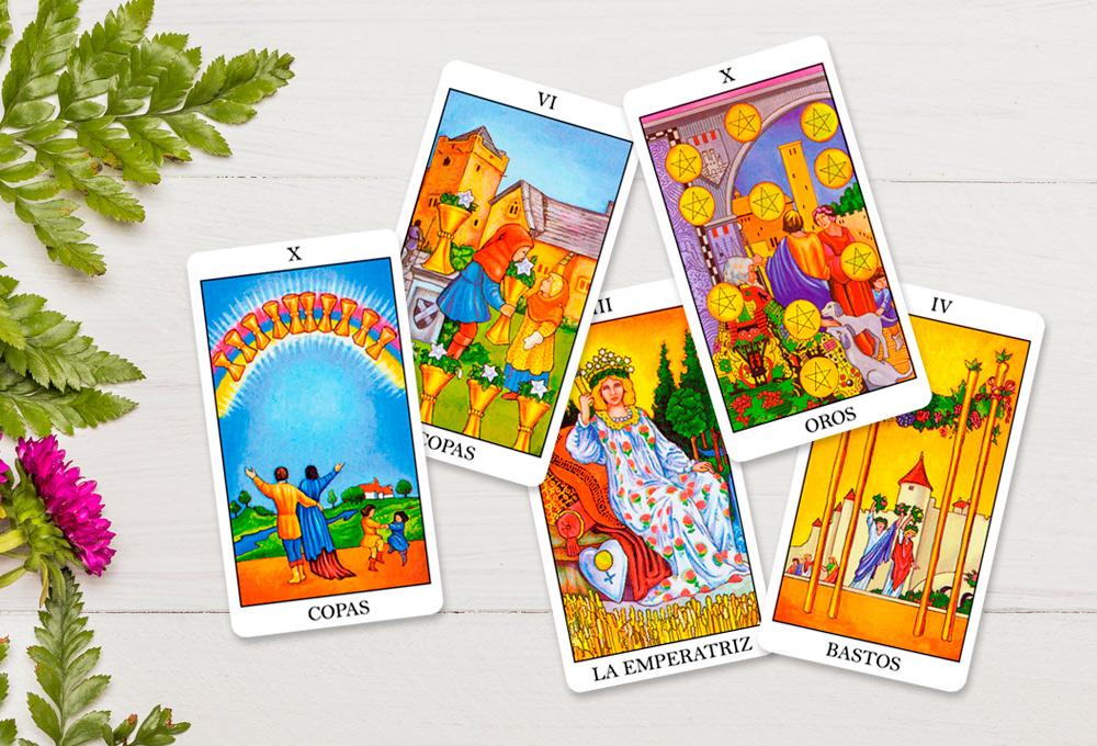 5 cartas del Tarot relacionadas con la familia