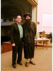 Junto a mi amigo Javier Peña, en su papel de Juan Calvino, otro de los personajes claves de la Reforma, en una de las celebraciones de estos días