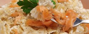 Le farfalle al salmone, una ricetta dai mille volti