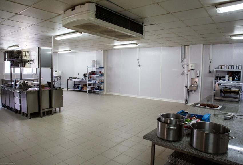 Naissance d 39 une cuisine 100 ergonomique cuisines et bains for Atelier de cuisine philippe lechat