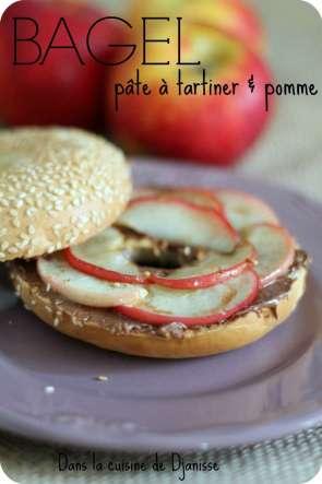 Bagel : pommes et pâte à tartiner