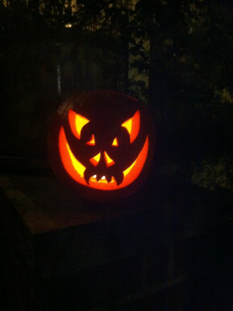 My first Jack-o'-lantern pumpkin carving attempt