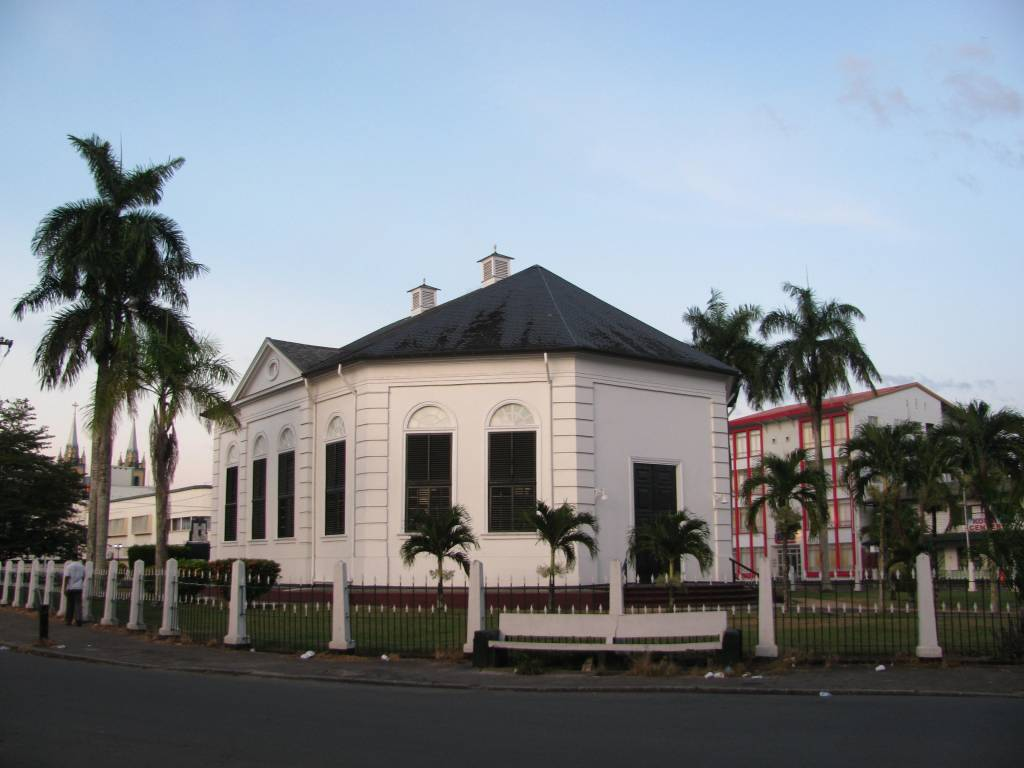 Sightseeing in Paramaribo