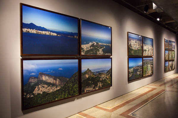 santander cultural apresenta exposição olhar vertical de tuca reinés