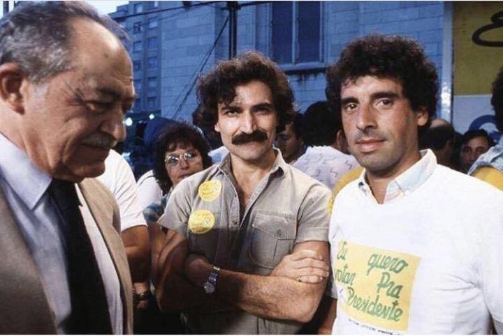 Miguel Arraes, Belchior e José Fogaça - comício das Diretas Já , na Praça da Sé , 1984 (Fogaça/Arquivo pessoal)