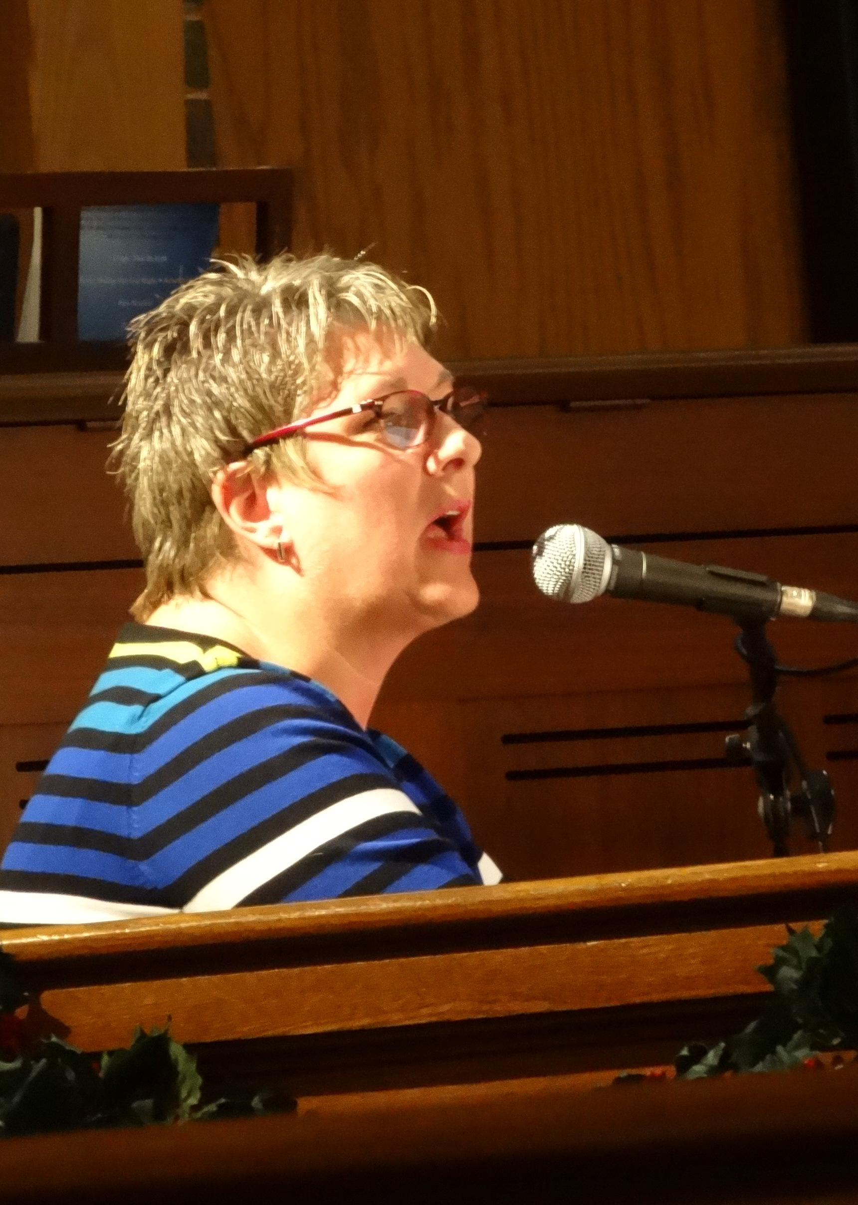 deann-singingdsc07831