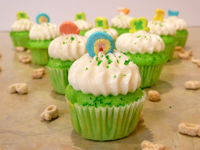 Lucky Charms Cupckakes