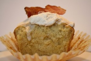 french-toast-bacon-cupcake1-450x300