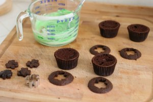 How to make shamrock cut out cupcakes