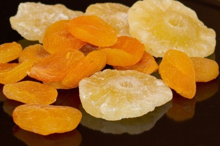 dried-fruit-57273_640