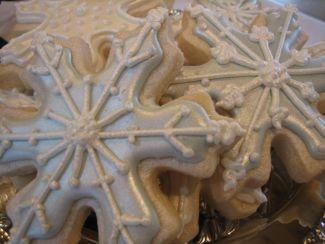 pearlized snowflake cookies
