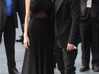Angelina Jolie Reaparece Después de Someterse a una Mastectomía