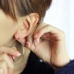 ピアスホールを掃除しないと痛くなる?化膿する原因を解説!