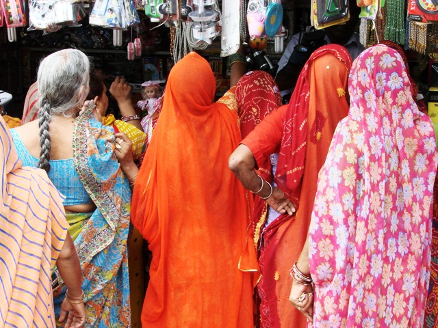 What to Wear in Bangladesh