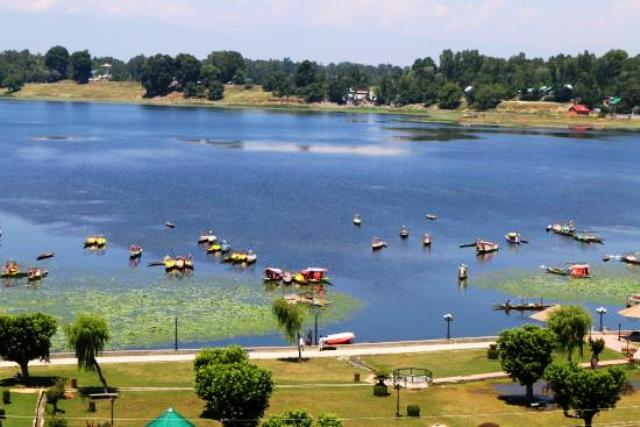 manasbal lake, india, srinagar