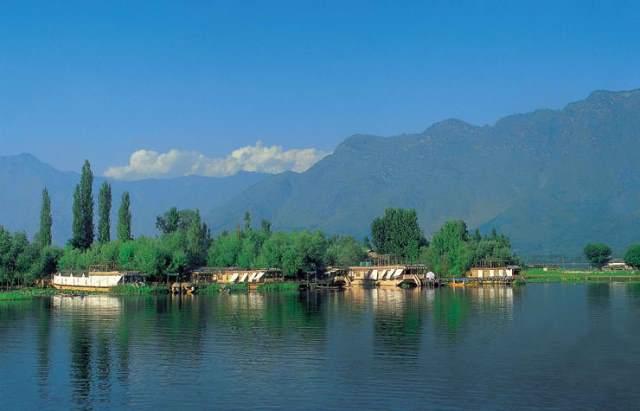 nagin lake, srinagar, india