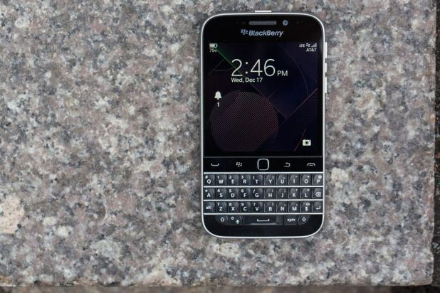 blackberry-classic-4.jpg?resize=618%2C41