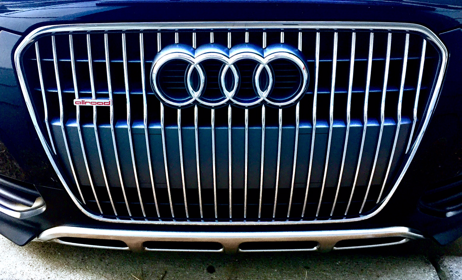 Now available for your C6/B8 Allroad, front grill sport badges!