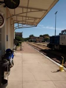 La gare de Corbigny, une bien faible activité (2 TER par jour et quelques trains de bois) étant donné les bus plus nombreux que les trains qui s'y arrêtent, ses jours sont comptés...