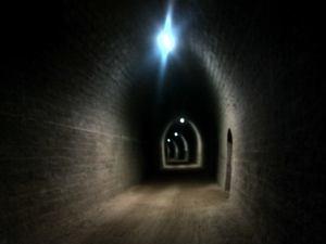 L'intérieur d'un des deux très longs tunnel de la ligne du Puy à Mende.