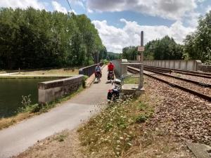 Pont-sur-le-canal-du-nivernais