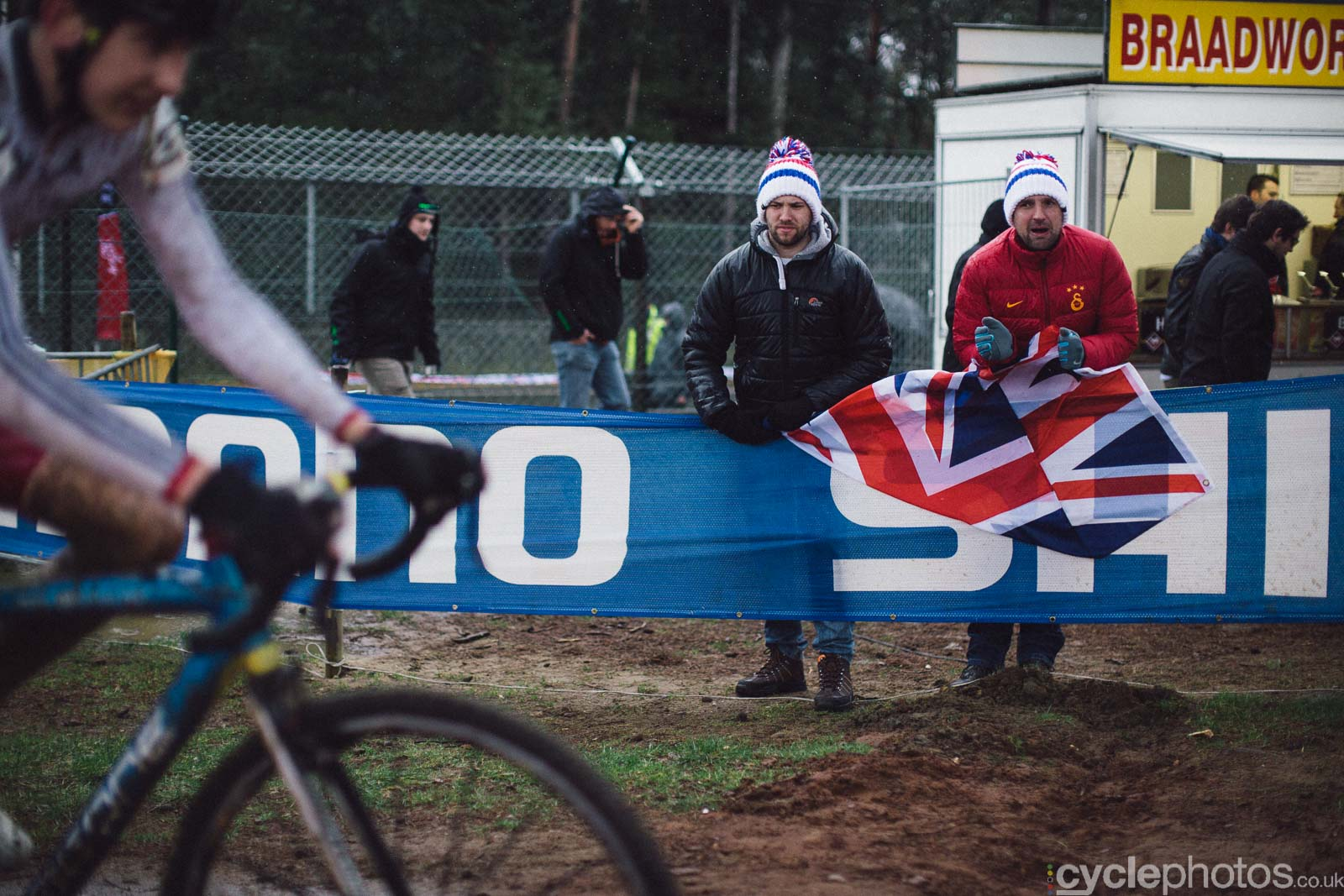 2016-cyclephotos-cyclocross-world-championships-zolder-113213-go-team-gb