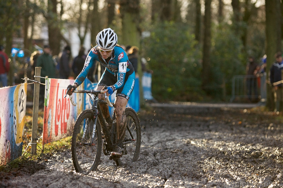 It seems that Gabby Day's great performance last week was just a precursor for further great results. After spending the first half of the race in the top four, she got a bit tired and finished 7th eventually, but it's another great, top10 result from her.