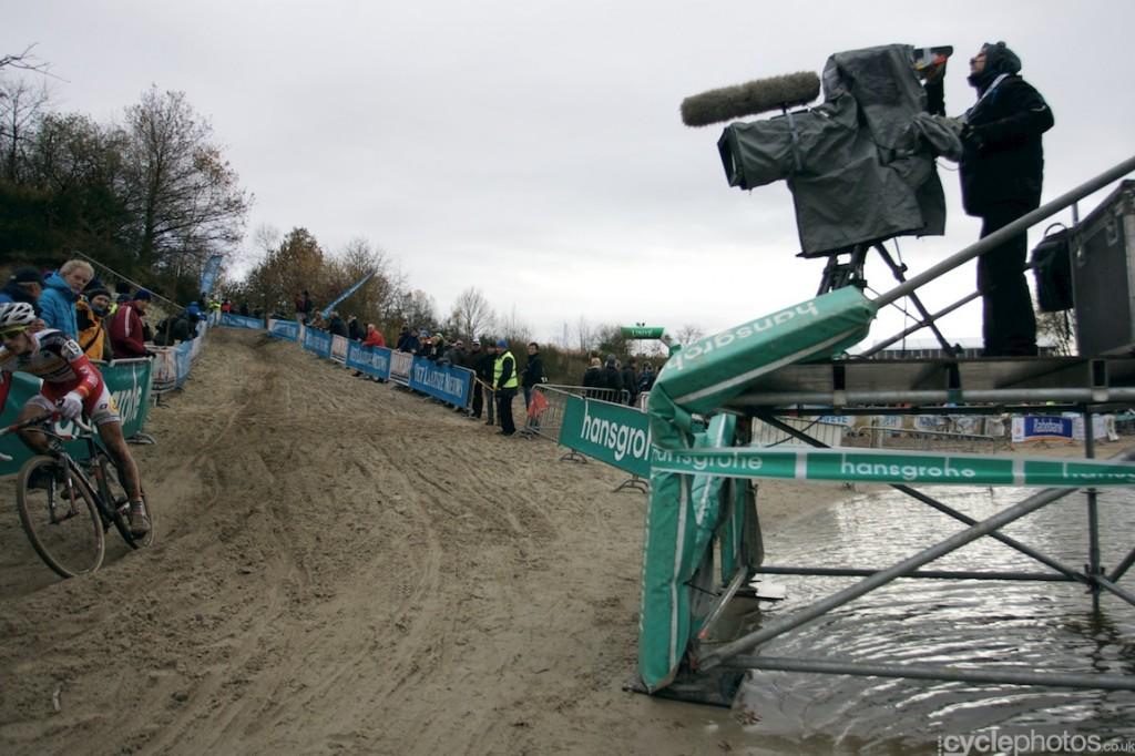 2013-cyclocross-superprestige-gieten-74-next-to-the-water