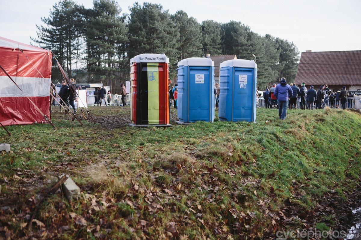 2015-cyclocross-bpost-bank-trofee-baal-belgian-toilets-142032