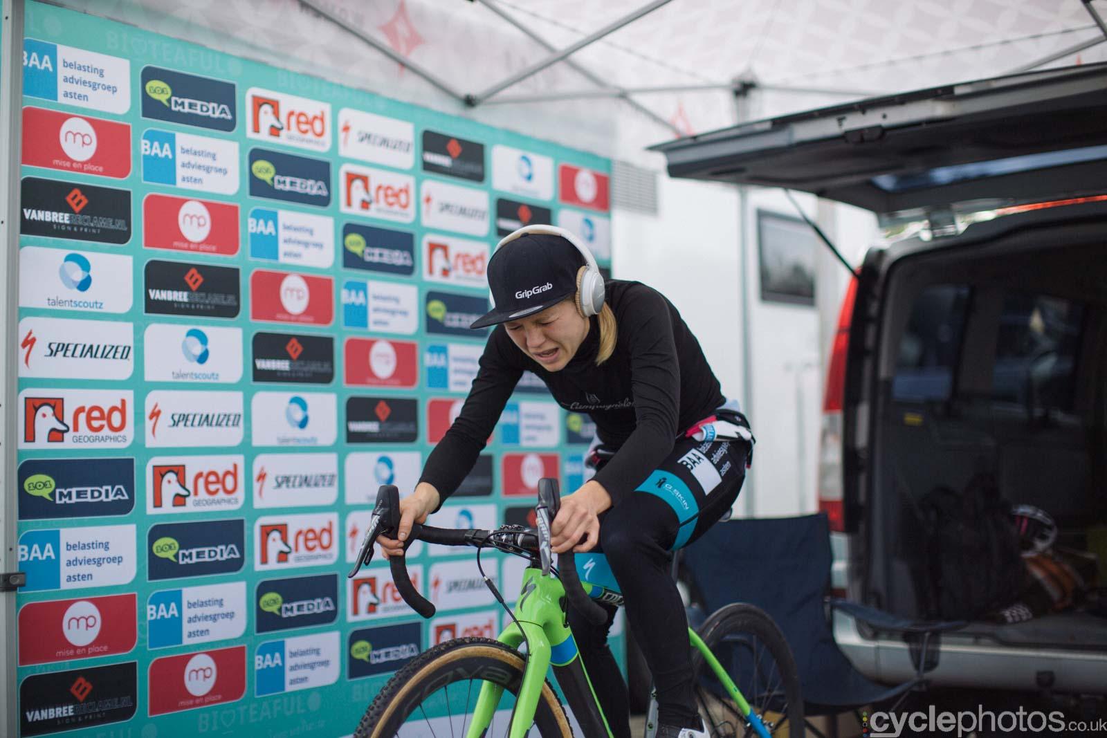 2015-cyclephotos-cyclocross-valkenburg-130448-sanne-van-paassen