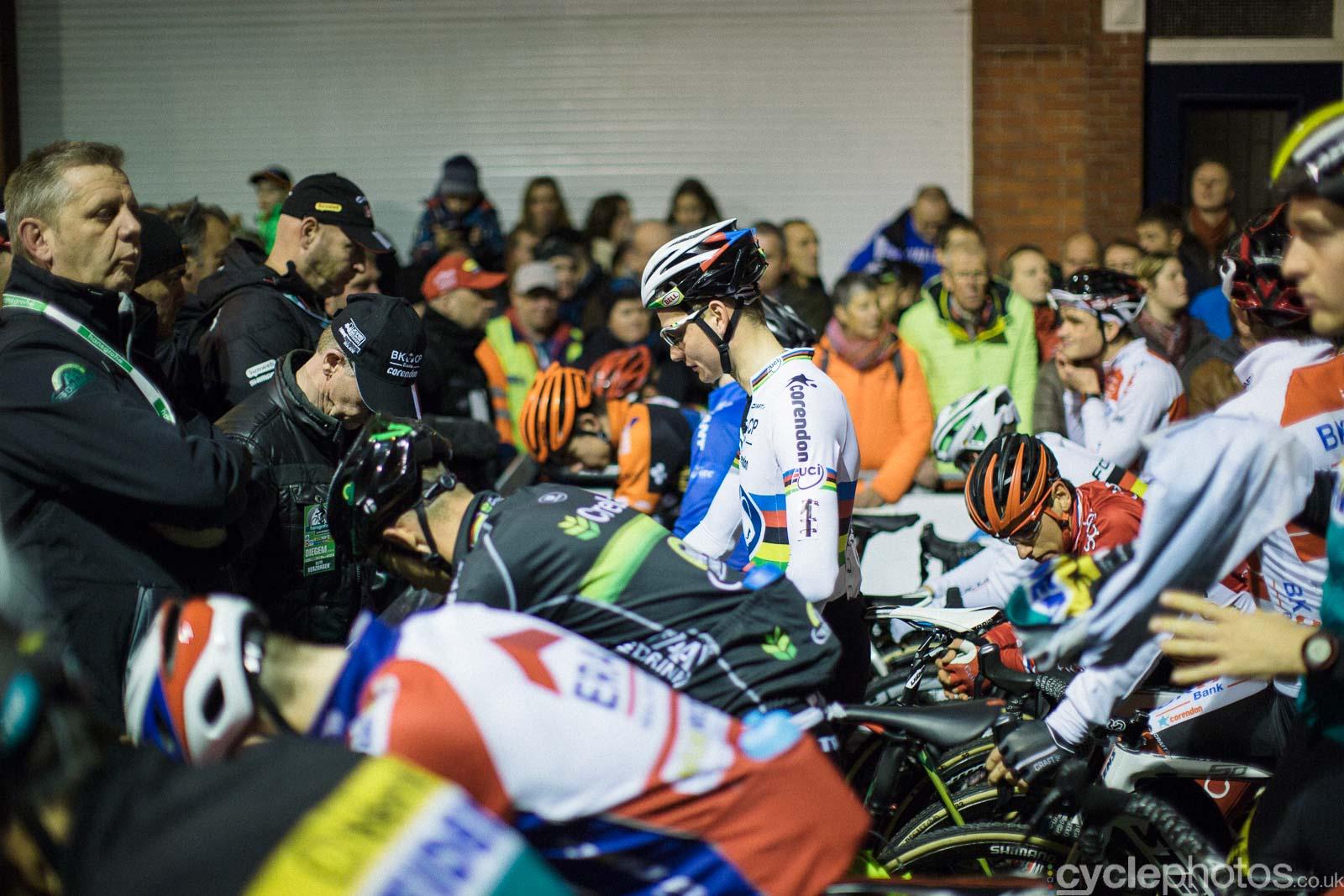 2015-cyclephotos-cyclocross-diegem-172213-mathieu-van-der-poel