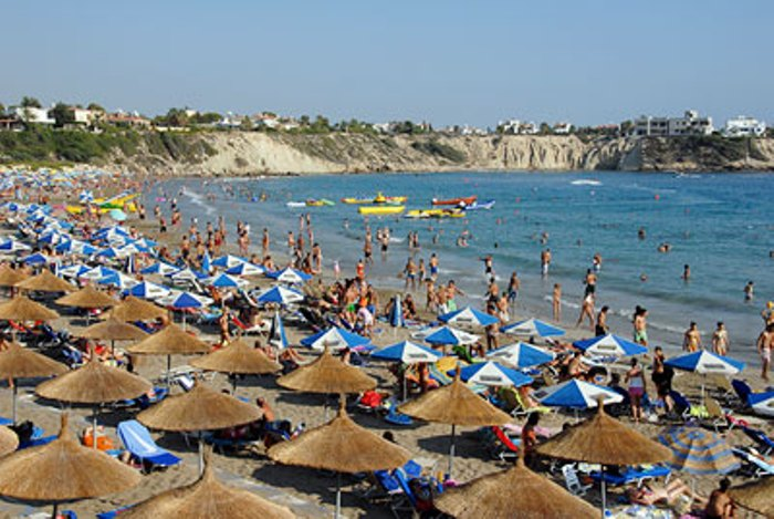 Police investigate Paphos speedboat death (updated)
