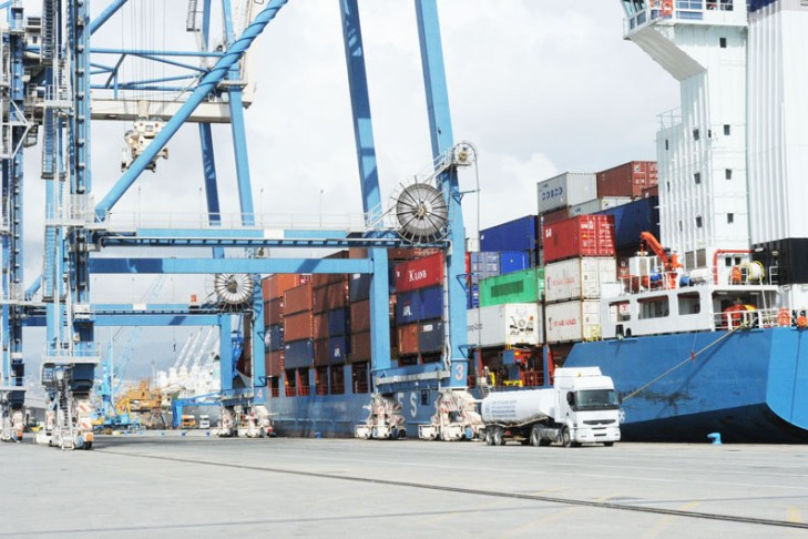 Port workers call off strike