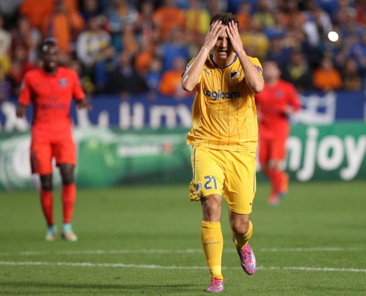 Late Cavani goal inflicts defeat on luckless APOEL