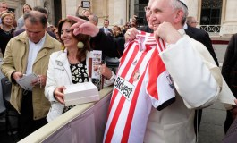 7 of the wackiest gift exchanges in the world of football