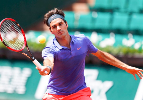 Nishikori takes centre stage, Federer cruises on