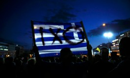 Defiant Greeks rally behind rejection of creditor terms