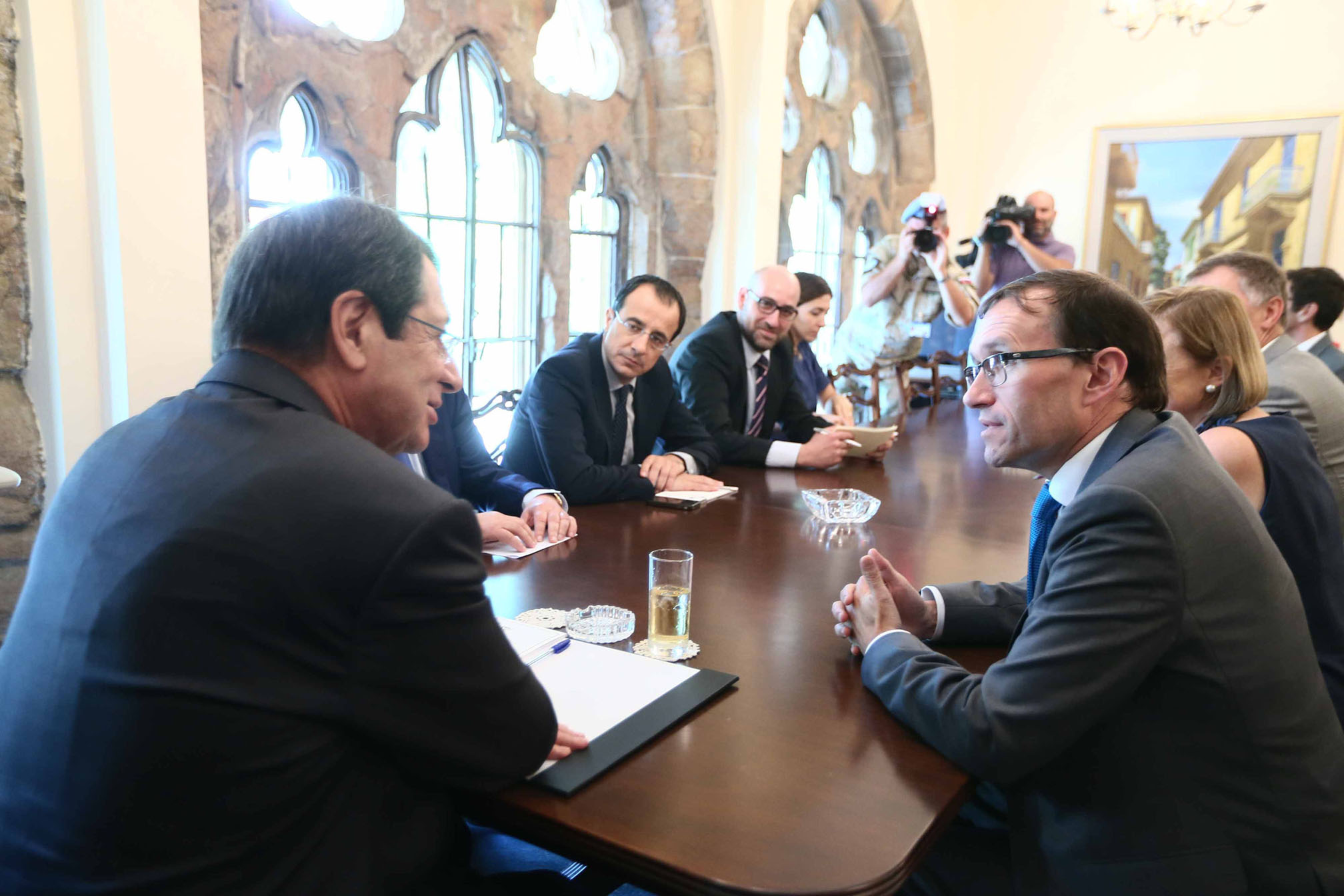 Eide tries to dispel concern over leaders' declaration on property