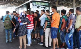Train with migrants allowed into Austria after lengthy border checks (Update 2)