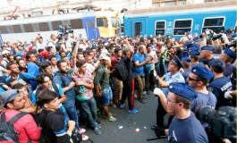 Migrants protest as Hungary shutters Budapest train station (Updated)