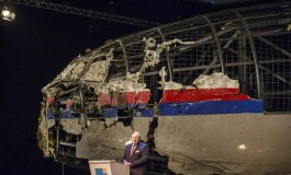 Flight MH17 shot down over Ukraine by Russian-built Buk missile, Dutch report says (Updated)