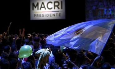 Macri topples Argentina's Peronists, tough reforms ahead (Updated)