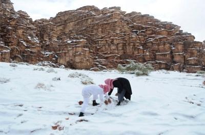 Saudi Arabia's Winter Wonderland: Snowstorm Alexa Turns Desert White [PHOTOS]